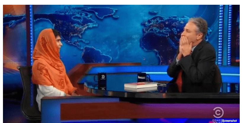 مصاحبه جان استوارت با مالالای ۱۶ ساله و غافلگیر شدنش از پاسخ او