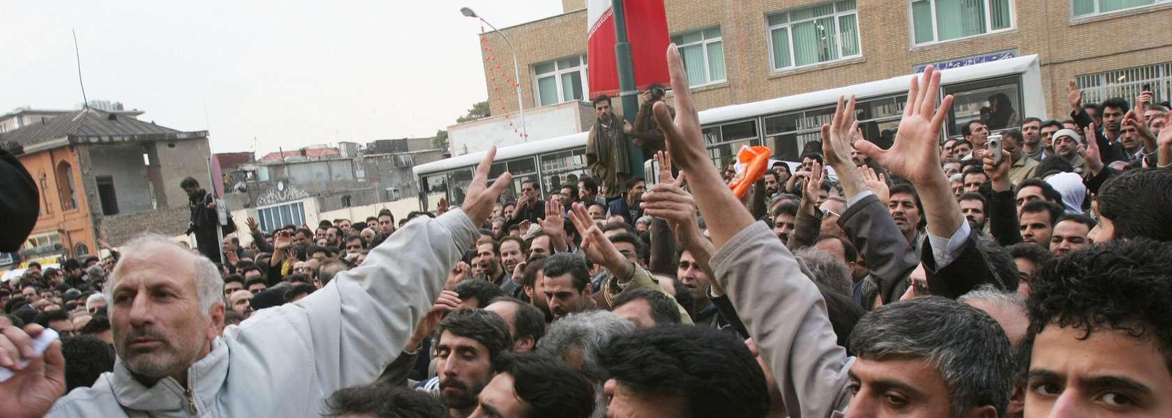 وضعیت حقوق کارگران و سرکوب فعالان سندیکایی در ایران